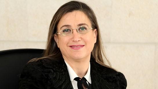 السيدة سناء نصار
