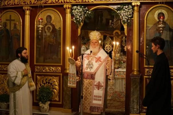 مطران الجليل يرافق خشبة الصليب المقدّس من كنيسة القيامة في القُدس الى اليونان