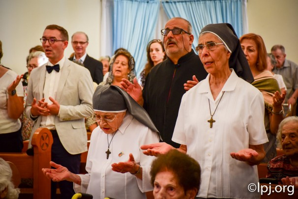 البطريرك صباح يترأس القداس الالهي في اليوبيل 60 للاخت ماري