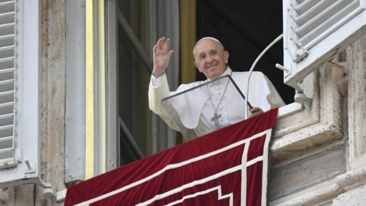 البابا يتحدث في كلمته قبل التبشير الملائكي عن مثل الوكيل الخائن