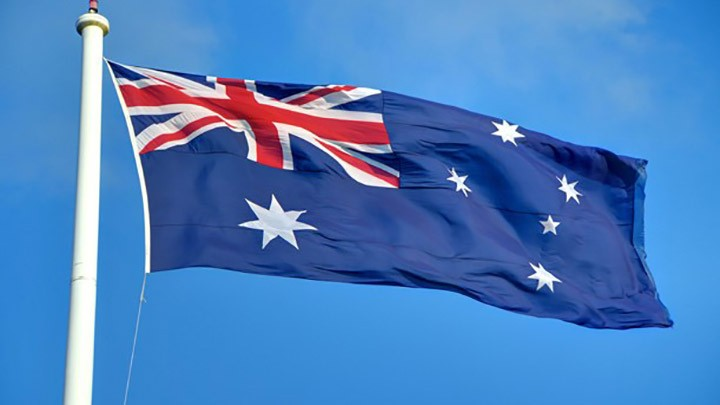 النور من أستراليا