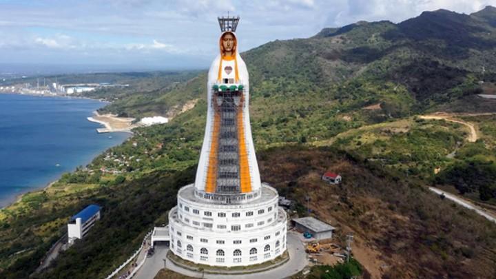 في الفليبّين... أطول تمثال لمريم العذراء