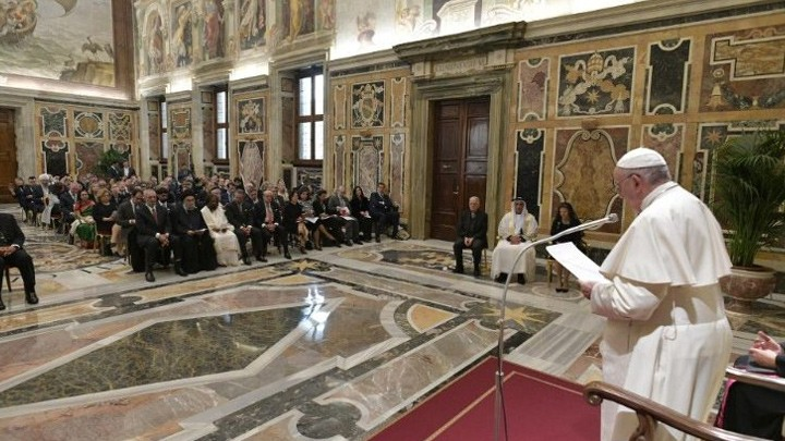 ما موقف البابا فرنسيس من تطوّر التّقنيّات الرّقميّة؟