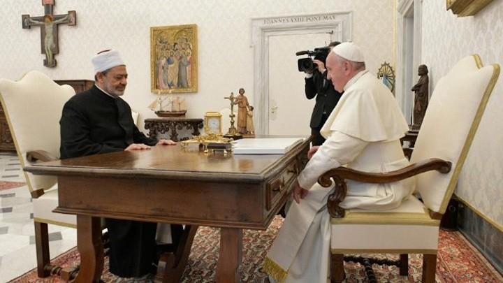 لقاء جديد بين بابا روما وشيخ الأزهر، والمناسبة؟