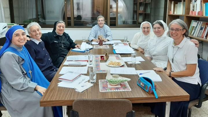 الأردنّ تجمع رئيسات اتّحاد الجمعيّات الرّهبانيّة في الأرض المقدّسة