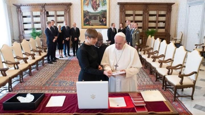 البابا فرنسيس استقبل رئيسة جمهوريّة أستونيا، والتّفاصيل؟