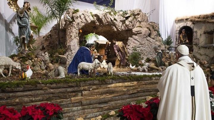 """البابا فرنسيس يطلق """"علامة رائعة"""" حول معنى مغارة الميلاد وقيمتها"""