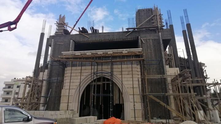 الإنتهاء من صبّ التّرسانة النّهائيّة لكنيسة القدّيس بولس في الجبيهة- الأردنّ