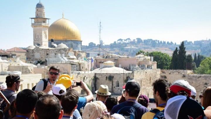 ازدياد أعداد الحجاج والسياح القادمين إلى الأرض المقدسة في عام ٢٠١٩