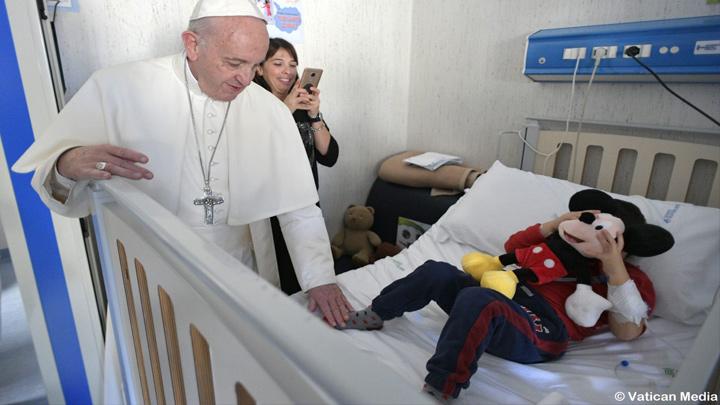 """دائرة فاتيكانيّة تحضر """"السّيرك"""" إلى أطفال مستشفى الطّفل يسوع"""