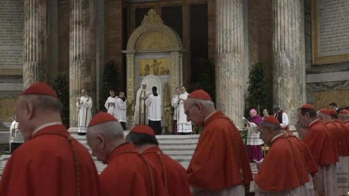 البابا: علينا الإصغاء إلى الصّغار والفقراء لأنّ الله يحبّ توجيه رسائله من خلالهم