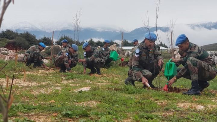 الكتيبة الهندية تواصل حملتها بتشجير منطقة عملياتها