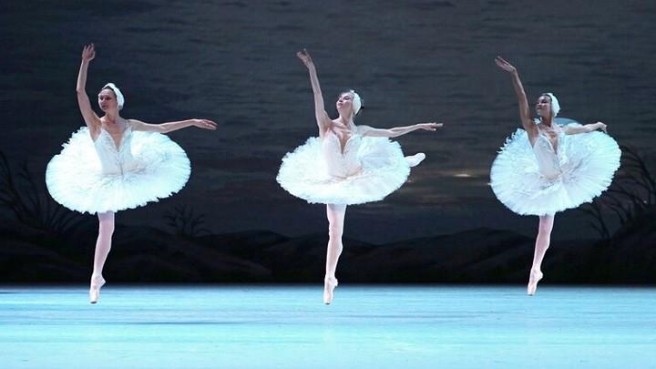 """مسرح البولشوي يقدم """"رصيده الذهبي"""" على الإنترنت"""