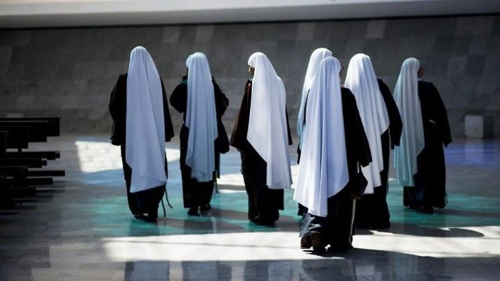 هذا ما يوصي به البابا فرنسيس العذارى المكرّسات!