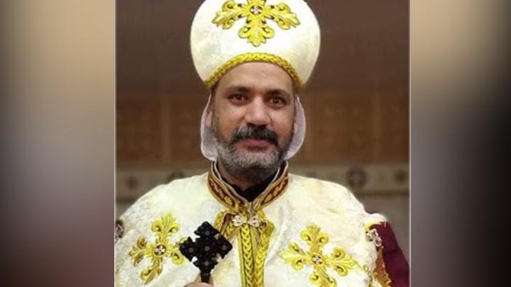 بعد 133 يومًا في الكهنوت كورونا يخطف حياته