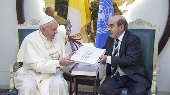 هبة رمزيّة من البابا فرنسيس إلى برنامج الأغذية العالميّ