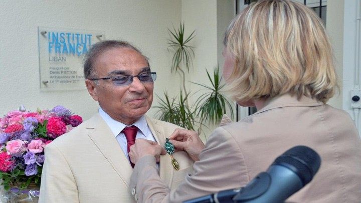 فرنسا منحت سامي خياط وسام الفنون والآداب من رتبة ضابط