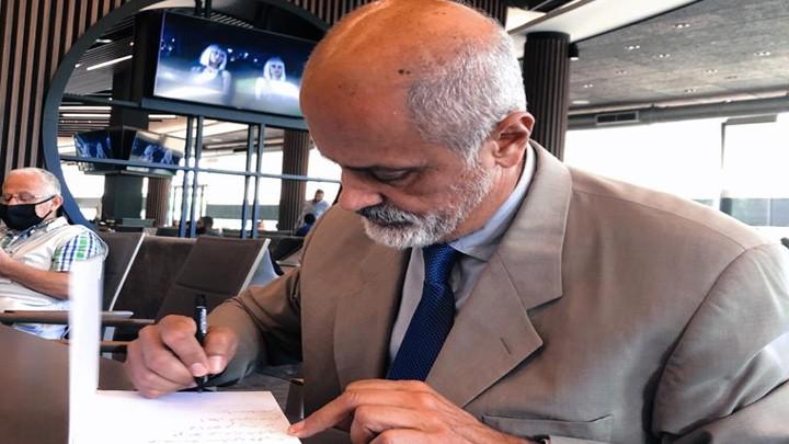 بيار عطاالله وقع كتابه راشيا الفخار سيرة مسيحيي الاطراف