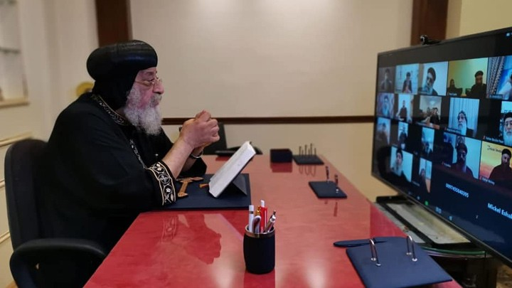 """تواضروس الثّاني يجمع كهنة الخليج حول """"الاتّضاع"""""""
