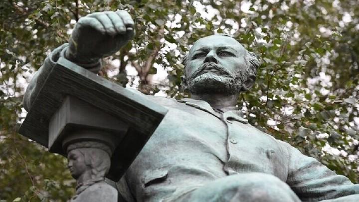 روسيا تحتفل بالذكرى الـ180 لميلاد المؤلف الموسيقي العظيم بيوتر تشايكوفسكي