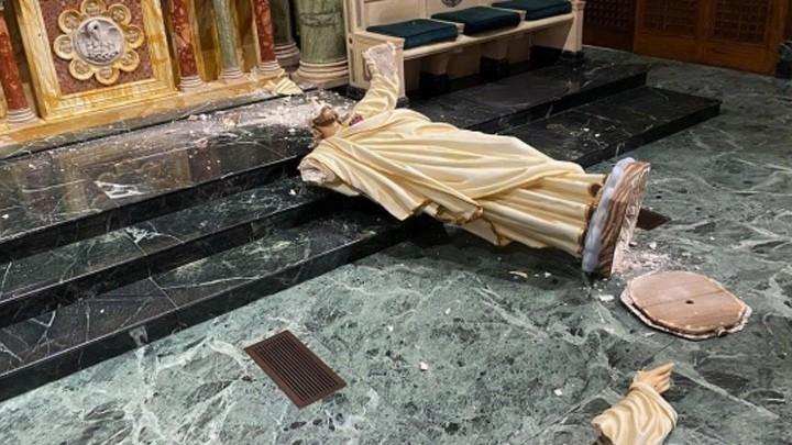 الإعتداء على تمثال قلب يسوع داخل كاتدرائيّة في أميركا
