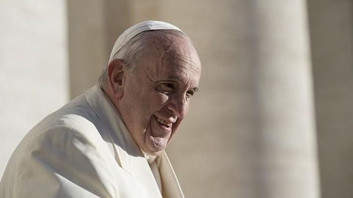 البابا فرنسيس يغرّد من أجل كرامة المرأة