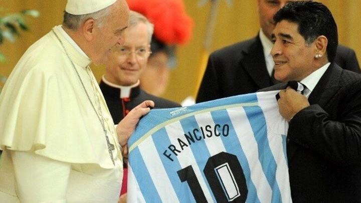 هكذا تفاعل البابا فرنسيس مع غياب مارادونا