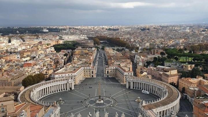 مجلس الكرادلة يعقد اجتماعه افتراضيًا بمشاركة البابا