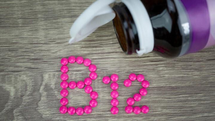 خفقان القلب وعلامات أخرى تحذّر من نقص فيتامين B12 الهام