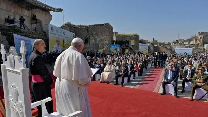 البابا فرنسيس يرفع الصّلاة على نيّة ضحايا الحرب من الموصل