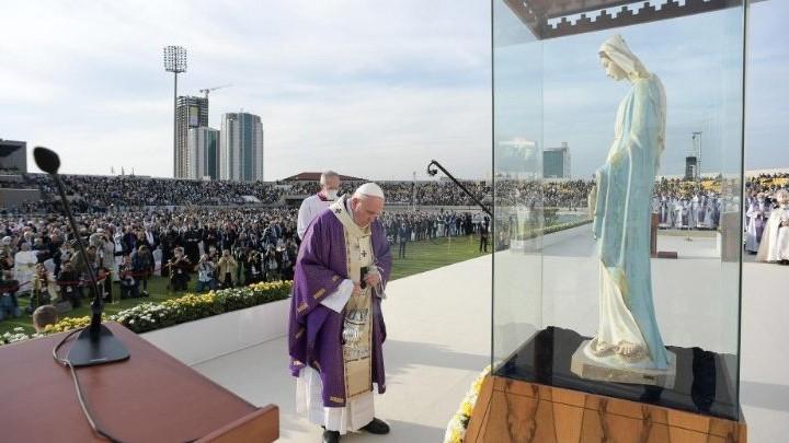 البابا فرنسيس: إقتربت لحظة العودة إلى روما لكنّ العراق سيبقى دائمًا معي وفي قلبي