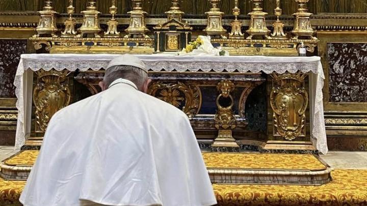 بأزهار من العراق شكر البابا فرنسيس مريم العذراء!