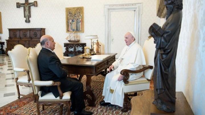 """البابا فرنسيس يتذكّر """"بامتنان"""" زيارته إلى العراق مع وزير خارجيّتها"""