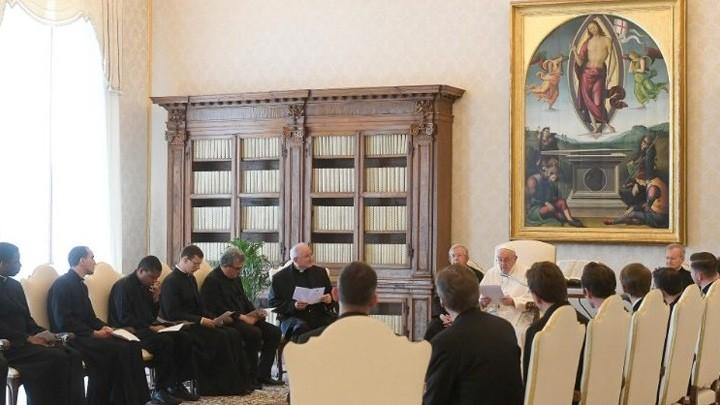 البابا فرنسيس للكهنة: كونوا رعاة برائحة الخراف!