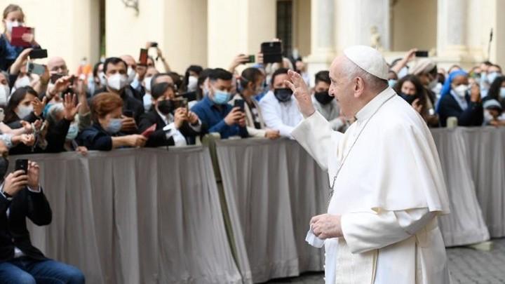 البابا فرنسيس: الصّلاة هي نوع من المدرَج الموسيقيّ نضع عليه لحن حياتنا