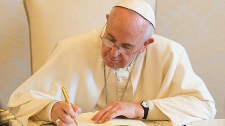 البابا فرنسيس للبرازيليّين: للعمل على التّواصل الّذي يبني الجسور ويبحث عن الحوار