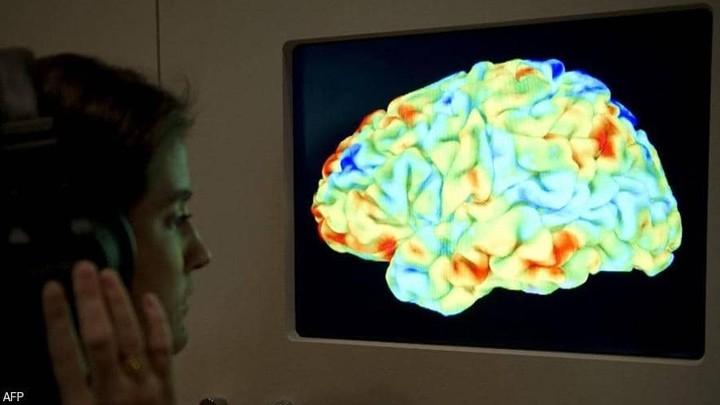 أمل لمرضى باركنسون.. مركّب موجود في الفاكهة يحمي الدماغ