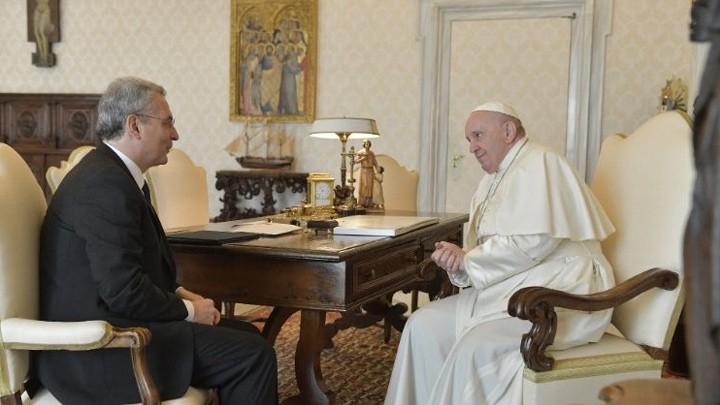 """""""طاهي الفقراء"""" رحل والبابا فرنسيس يعزّي عائلته"""