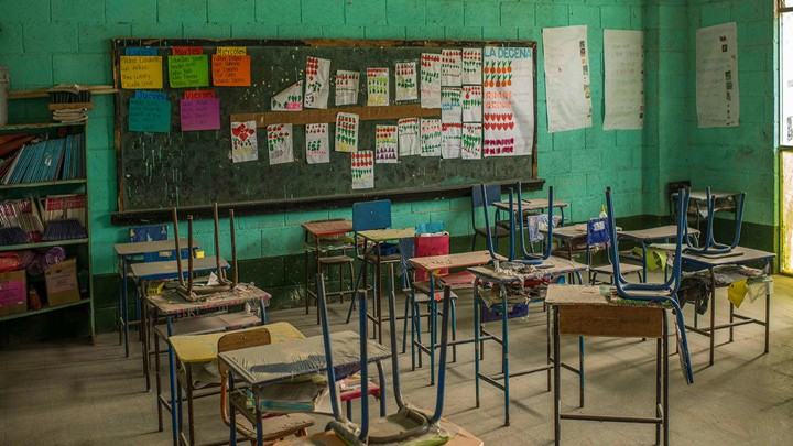 77 مليون طفل أمضوا 18 شهرًا خارج الفصول الدراسية، واليونيسف تحثّ على إعادة فتح المدارس