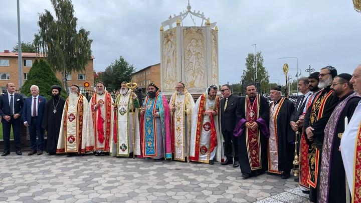 أفرم الثّاني يحتفل بالقدّاس الإلهيّ وباليوبيل الأسقفيّ الفضّيّ للمطران أطاش في السّويد