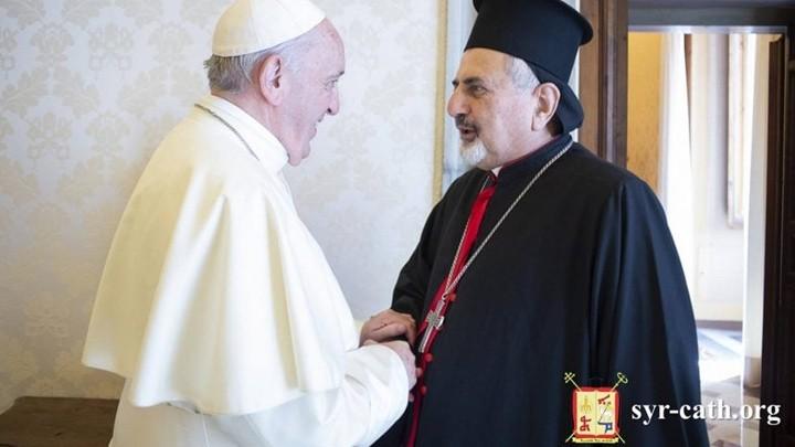 البطريرك يونان يلتقي البابا فرنسيس في الفاتيكان