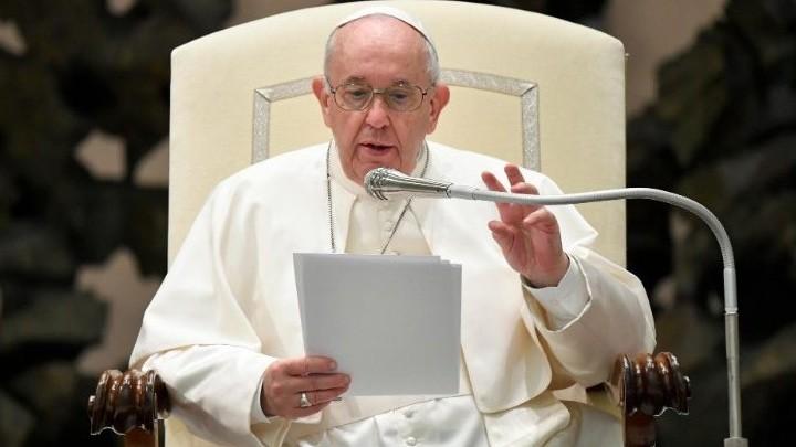 البابا فرنسيس: إذا أثقلتنا آلاف المشاكل، لنضع أنفسنا أمام المسيح المصلوب ولننطلق مجدّدًا